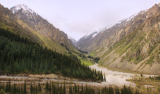 Uzbekistan tours - Breathtaking scenery of Ala-Archa Gorge