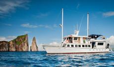 Ecuador tours - Galapagos Budget Cruise on Golondrina