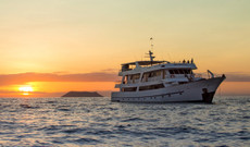 Ecuador tours - Cruise the southern Galapagos Islands